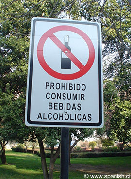 Prohibido consumir bebidas alcoholicas sign in Spanish